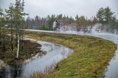 Tulvahuiput käsillä Pohjois-Pohjanmaalla: Kiiminkijoessa viisinkertainen virtaus tavalliseen syksyyn nähden, Kitkajärvessä vesi on nousussa, mutta tulvavahingoilta vältyttäneen