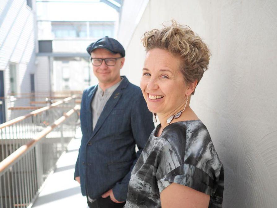 Käsikirjoittajien Mika Ronkaisen ja Merja Aakon Kaikki synnit -rikosdraama voitti Göteborgin elokuvafestivaalien parhaan TV-draamapalkinnon, joka myönnetään parhaasta käsikirjoituksesta.