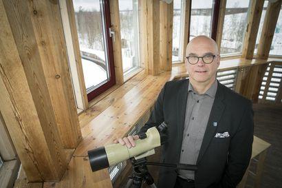 """Limingalle muodostumassa mojova tulos, mutta kunnanjohtaja Pekka Rajala ei vielä hypi riemusta: """"Ei voi tuudittautua siihen, että loppuvuosi menisi näin hyvin – tämä on ollut menojen ja tulojen osalta erikoinen vuosi"""""""