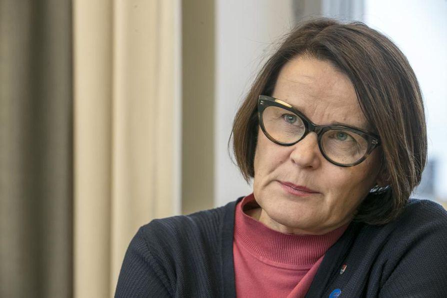Oulun kaupunginjohtaja Päivi Laajala sanoo Kalevalle olevansa järkyttynyt uusista alaikäisiin kohdistuneista seksuaalirikosepäilyistä Oulun alueella.  Arkistokuva.