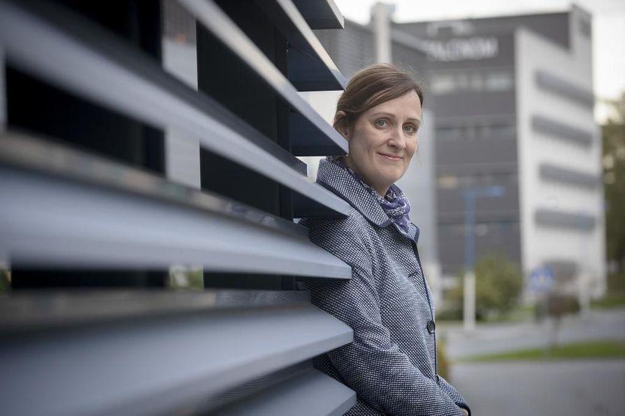 Pauliina Pikkujämsä on väitellyt yritysten sijoittumisesta alueelle. Hän on tarkastellut erityisesti ulkomaisten yritysten sijoittumista alueelle.