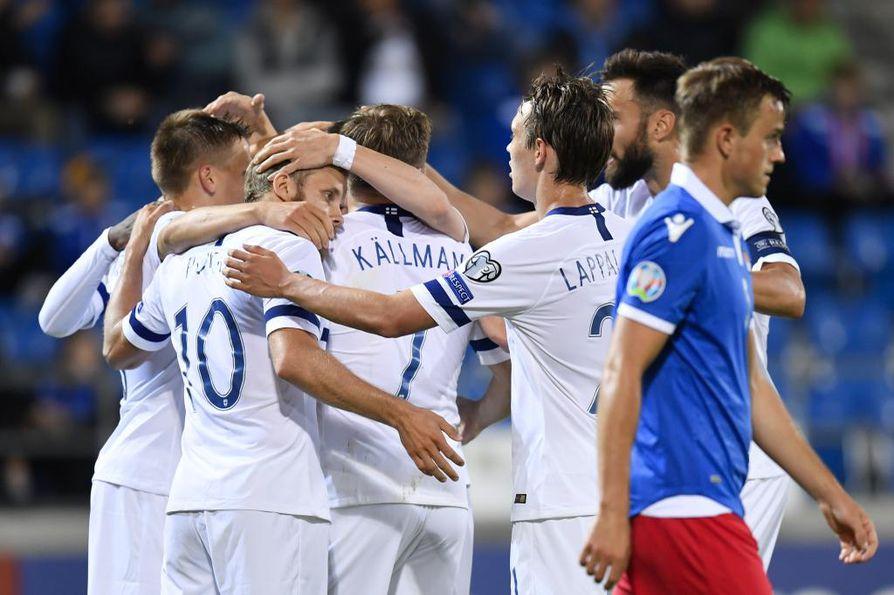 Suomen joukkue juhli tiistaina Teemu Pukin 1-0 osumaa Liechtensteinia vastaan. Suomi voitti ottelun lukemin 2-0.