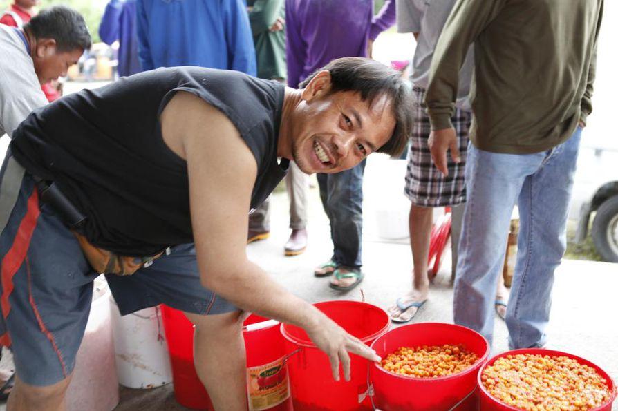 Thaimaalainen Viroch Thanvisai arveli elokuussa yltävänsä 4000–5000 euron tienesteihin kesän aikana.