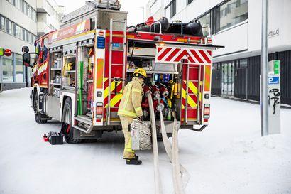 Liiketilassa syttyi pieni tulipalo Rovaniemen keskustassa – Palossa ei tullut henkilövahinkoja