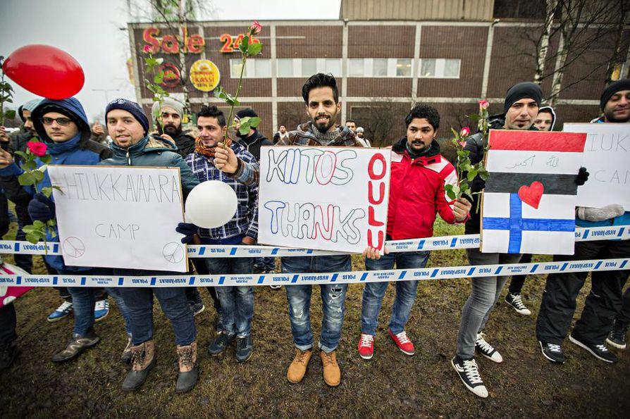 Turvapaikanhakijat halusivat kiittää oululaisia ja muistuttaa, että kaikki heistä eivät ole rikollisia.