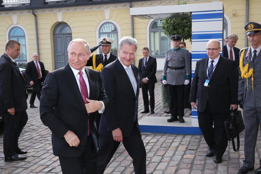 Vladimir Putin saapui Presidentinlinnaan keskiviikkoiltapäivällä. Vierailua isännöi tasavallan presidentti Sauli Niinistö.