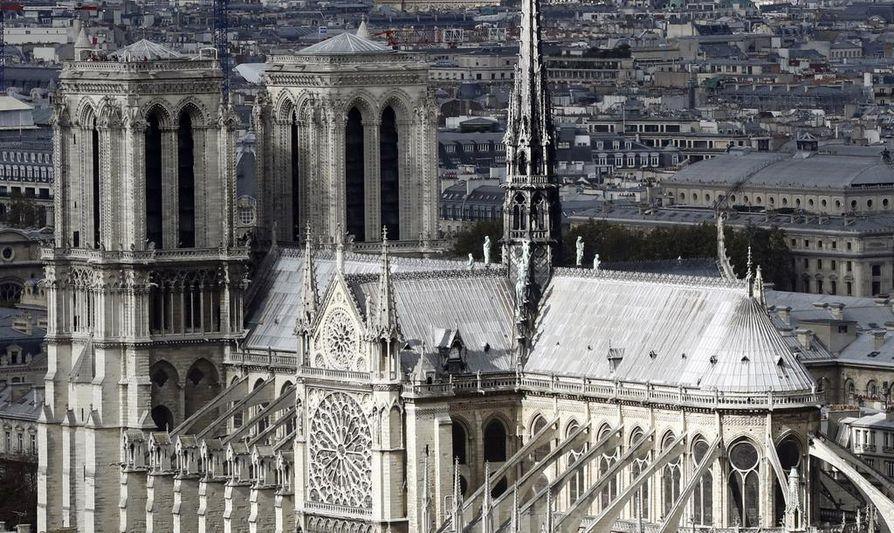 Notre-Dame on valmistunut 1345. Sen rakennustyöt aloitettiin lähes 200 vuotta aikaisemmin.