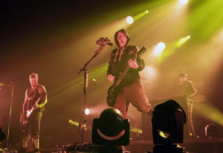 Apulanta esiintyi lauantaina Oulun Club Teatrialla.