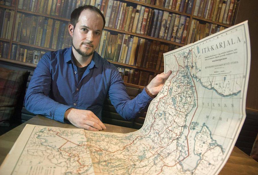 Aki Aunala matkusti isoisoisänsä Nikolain synnyinseuduille nykyisen Kontupohjan piirin. Matkat Vuohtjärven kylään osoittautuivat tiedonhankinnan kannalta ratkaiseviksi.