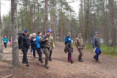 Naisten valmiusharjoitus syksyllä Taivalkosken Maijanlammella – naisille on tarjolla neljä eri kurssia arjen turvallisuudesta maastoajotaitoihin