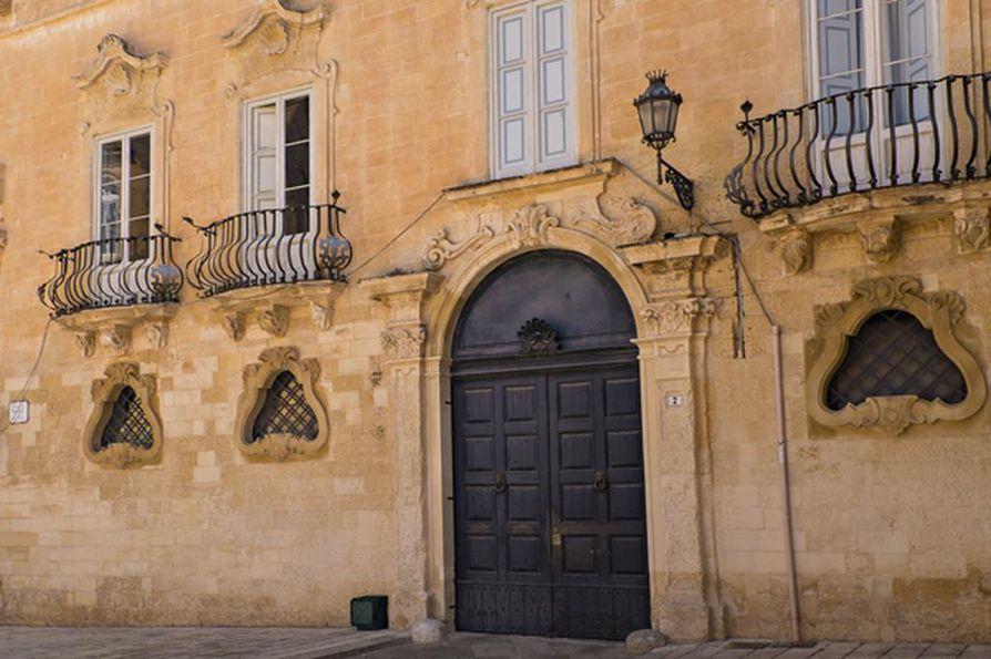 Barokkikaupunki huokuu Kaarle V:n varakkuutta 1500-luvulta.