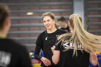 Saana Lindgren naisten mestaruusliigan läpimurtopelaaja