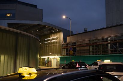 Koronavirusmuunnoksia havaittu kolmella Suomeen palanneella matkustajalla – Britanniasta matkustaneita kehotetaan koronatesteihin