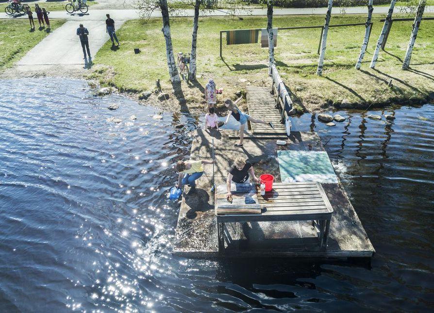 Oulun liikuntalautakunta teki vuonna 2007 päätöksen, että Oulujoen ja Oulujoen suistossa olevat matonpesupaikat poistettaisiin vesistökuormituksen vähentämiseksi.