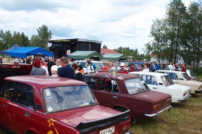 Itäautojen harrastajat palasivat Sallaan – Tavoitteena tehdä itäautojen kokoontumisajoista perinne