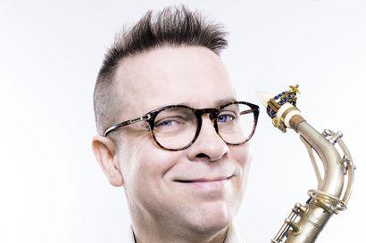 Kamariorkesteri konsertoi torstaina: Illan tähtinä saksofonisti Jukka Perko ja Outi Tarkiaisen Saivo-teos