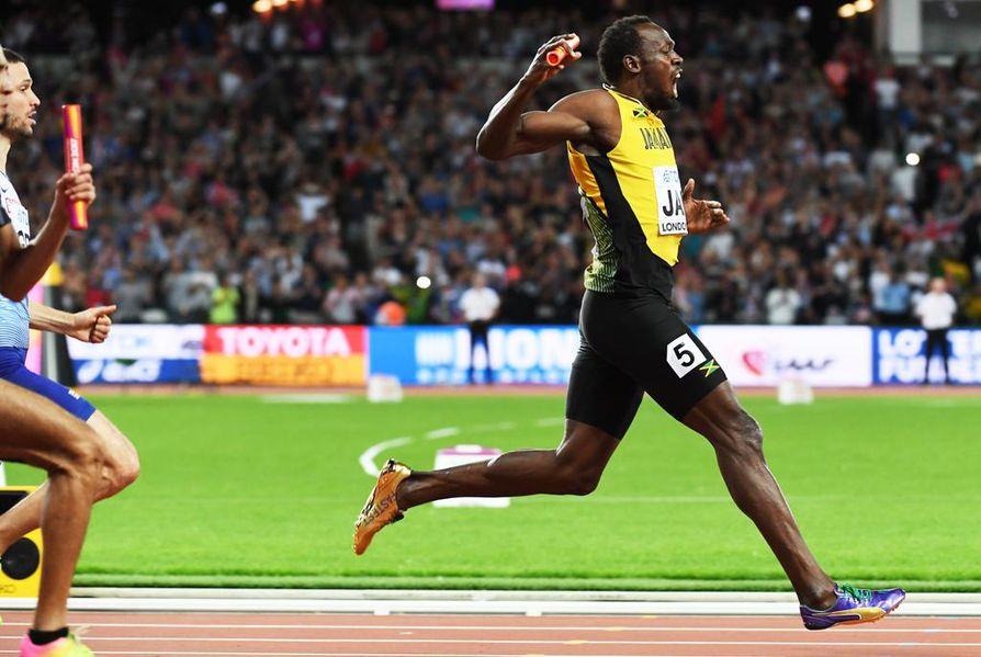 Usain Boltin ura päättyi eiliseen miesten pikaviestin ankkuriosuuteen.