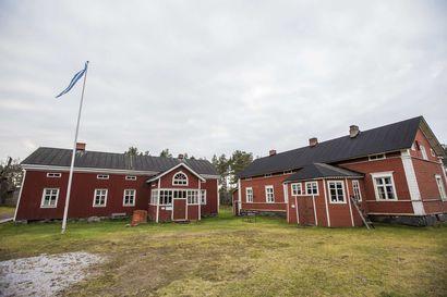 Pyhäjoen Annalan museosta on varastettu puoli tusinaa vanhaa asetta
