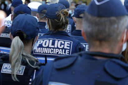 Aseistautunut mies lukittautui kuuden panttivangin kanssa pankkiin Ranskassa – Poliisille entuudestaan tuttu mies antautui piirityksen jälkeen