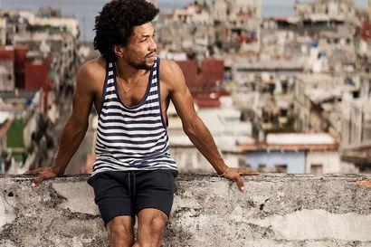 Laulaja Erick Gomez asui Suomessa parikymmentä vuotta, mutta sitten hän lähti välillä Kuubaan – Suomi perui pysyvän oleskeluluvan syystä, jota hän ei ymmärrä