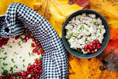 Perinteistä ruokaa kasvismaidoista – näin hamppujuusto, kermainen uunipuuro, mantelisoppa, metsäpata ja sienikantsikka valmistuvat ilman eläinperäisiä tuotteita