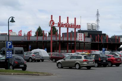 Tavarataloketju Kärkkäinen selvisi yrityssaneerauksesta ja kaavailee laajentumista, toinen myymälä Ouluun mahdollinen – Kauppalehti: Juha Kärkkäisen uusnatsikytkösten vuoksi aloitetut boikotit jatkuvat