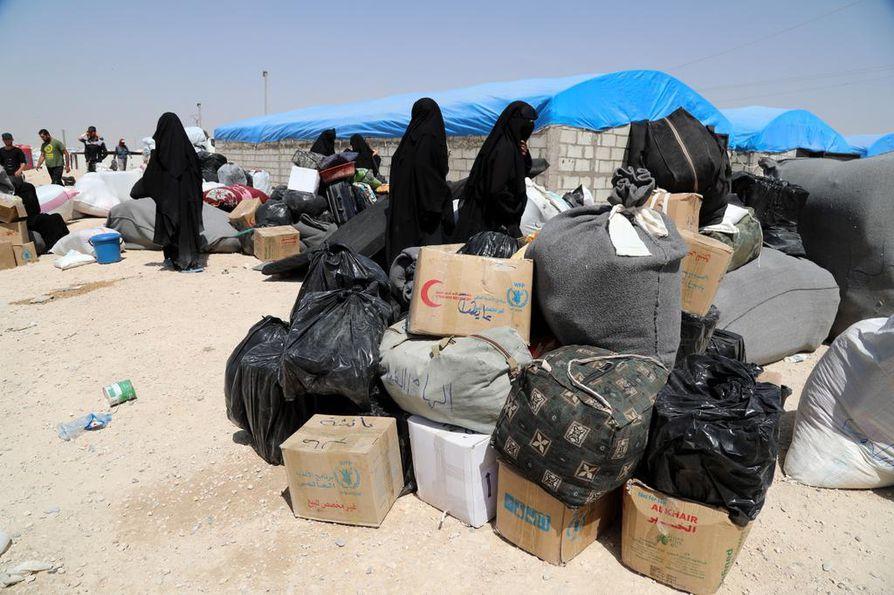 Al-Holin leirillä on kymmeniä tuhansia Isis-taistelijoiden perheenjäseniä. Heidän joukossaan on kymmeniä Suomen kansalaisia.