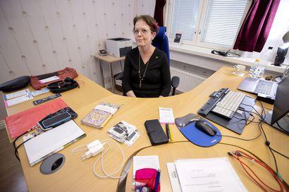 Sopimukset kutsuvat: Leena Mikkola-Riekkinen aloittaa työt hyvinvointialueella