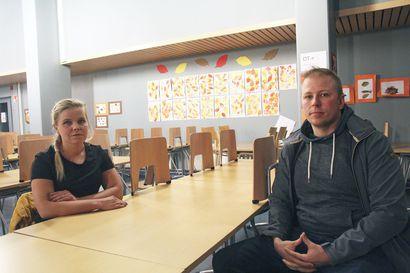 Tupoksen visiointi-illassa kyläläiset halusivat nuorille harrastepaikkoja, junayhteyden Ouluun ja kirjaston takaisin – eikä penkki Salen pihalle olisi pahitteeksi