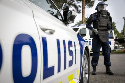 """Saarikko esittää poliisille 30 miljoonan euron lisärahoitusta osana tämän vuoden neljättä lisätalousarvioesitystä – """"Poliisi voi tämän seurauksena päättää aloittamansa yt-neuvottelut"""""""