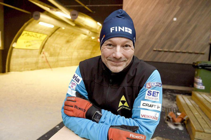 Antti Leppävuori hiihtää yhä neljästä viiteen kertaa viikossa. – Cooperin testissä menee 3000 metriä, vaikka se on tuhat metriä vähemmän kuin  parhaimpina vuosina, hän sanoo.
