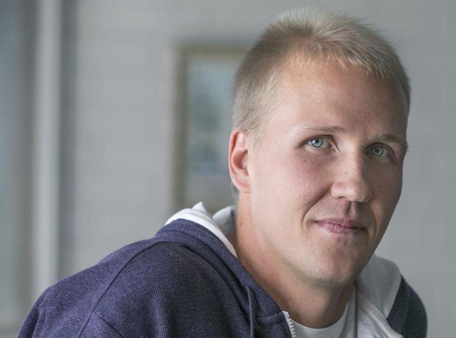 Joni Pitkänen ei ole, ainakaan vielä, tehnyt sopimusta Kärppien kanssa, mutta hän lähestyy täyttä pelikuntoa.