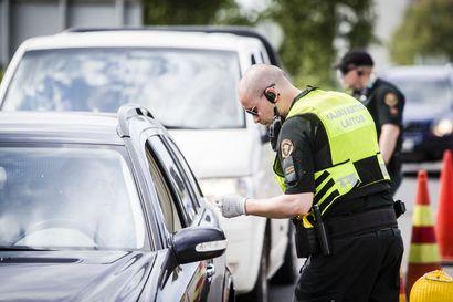 Rajavartijoiden henki vaarassa – rajan yli ajetaan päin punaisia eikä piitata pysäytysmerkeistä