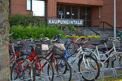 """""""Sua kutsuu Kuusamo"""" ehdolla kaupungin uudeksi sloganiksi – Kuusamon kaupunginhallitus hyväksyi uuden kaupunkistrategian yksimielisesti"""