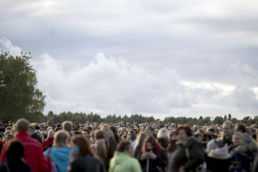 Kuuskan paluu veti uudistetun Kuusisaareen täyteen viime viikonloppuna.