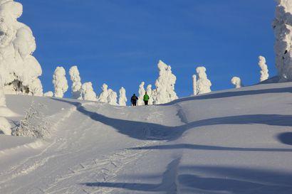 Hiilijalanjäljen pienentäminen aloitettiin Pallas-Yllästunturin kansallispuistossa – Öljystä siirrytään maalämpöön, ensimmäinen hybridiauto jo käytössä