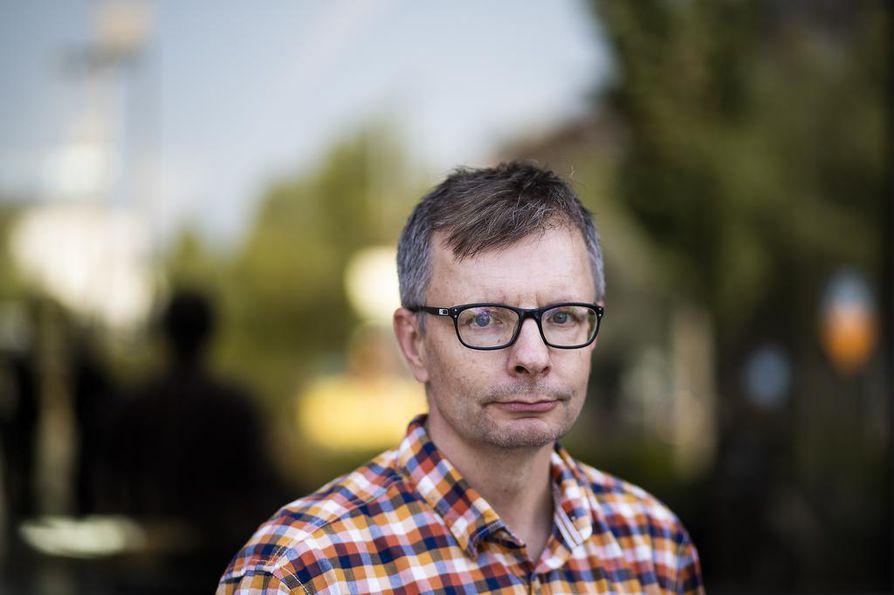 Professori Heikki Hiilamo arvioi, että sosiaali- ja terveysvaliokunta ehtii tehdä perustuslakivaliokunnan edellyttämät muutokset ennen vaaliloman alkua. Työtä se kuitenkin vaatii.