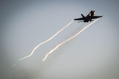 Hornetiin kesken lennon tullut vika aiheutti ilmaliikenneonnettomuuteen varautumisen Rovaniemellä, hävittäjä laskeutui onnistuneesti