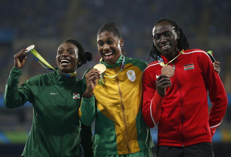 Etelä-Afrikan Caster Semenya juoksi naisten 800 metrin olympiakultaan Riossa.