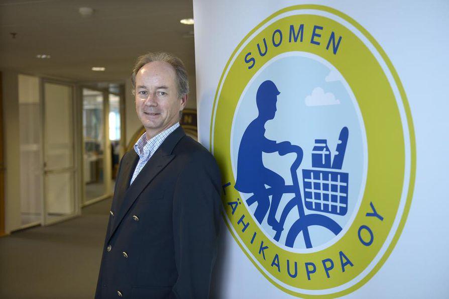 Ralf Holmlundin mukaan Suomen Lähikauppa Oy aikoo alentaa hintoja tällä viikolla.