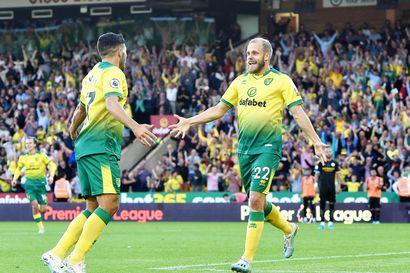 Pukki juhlisti Norwich-merkkipaaluaan kahdella maalilla – aikoo pysyä nousua jahtaavassa seurassa