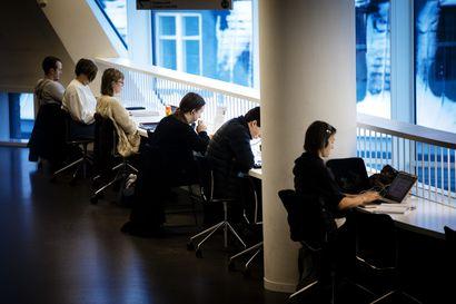 """Korkeakoulut eivät saa euroakaan uusiin aloituspaikkoihin - """"Oppilaskohtainen rahoitus laskee, kun sen hallitusohjelman mukaan piti nousta,"""" sanoo työmarkkinajohtaja"""