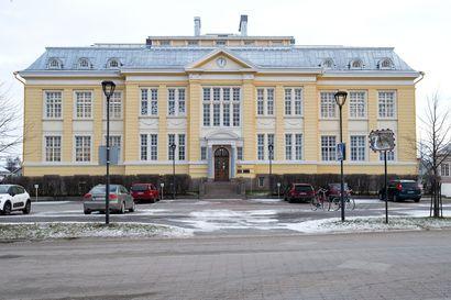 Raahen Keskuskoululla koronapositiivinen oppilas – kaksi luokkaa karanteeniin opettajia lukuunottamatta