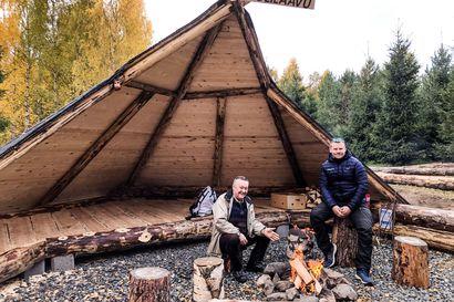 Onko tässä Rovaniemen komein laavu? – Rotarit talkoilivat Revontulilaavun Ounasjoen rantaan