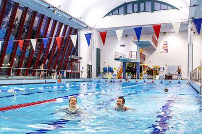 """Rovaniemen valtuusto siirsi uimahallipäätöksen seuraavalle valtuustokaudelle – """"Niukkuuden jakaminen jatkuu Vesihiidessä"""", sanoo uimaseuran puheenjohtaja"""