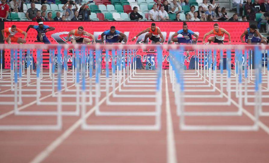 Eurooppalaiset ja yhdysvaltalaiset urheilijat ottivat toisistaan mittaa Valko-Venäjän Minskissä tiistaina.