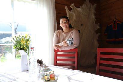 Kymmenen vuotta asumattomana ollut hirsitalo sai uuden elämän Sodankylän Mataraselässä – Äiti ja tytär toteuttavat unelmiaan tokkaretkistä, käsityötalosta ja -kahvilasta