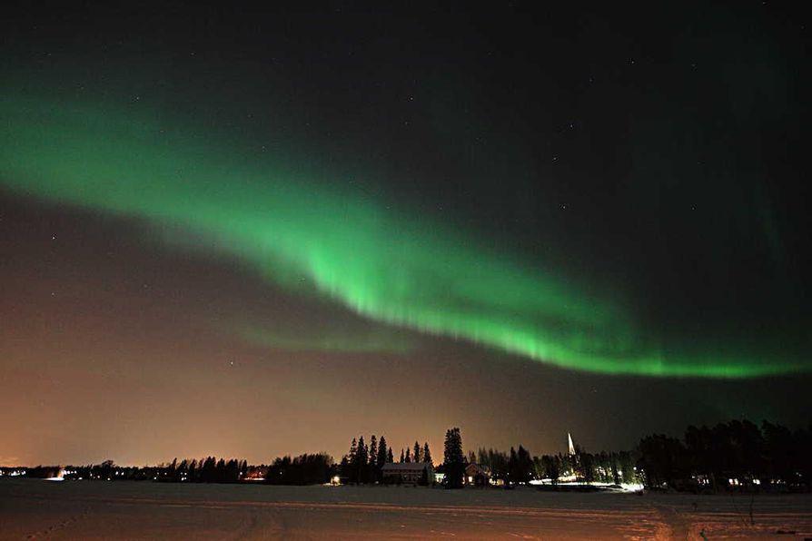 Revontulia saattaa nähdä viikonloppuna jopa koko Suomessa.
