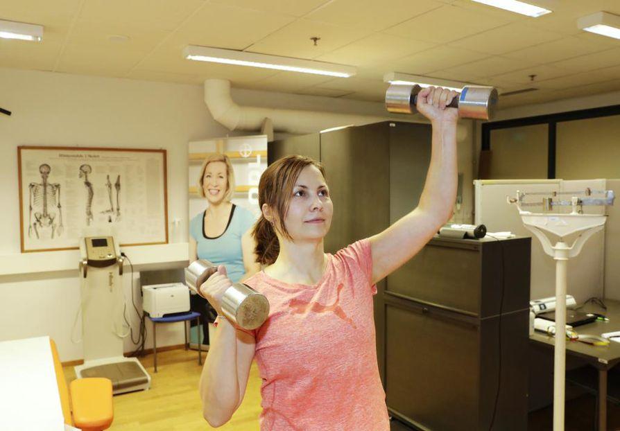 Tutkimuksen mukaan vain joka viides suomalainen liikkuu riittävästi. Monille arki on olevinaan liian kiireistä liikunnan aloittamiseen.