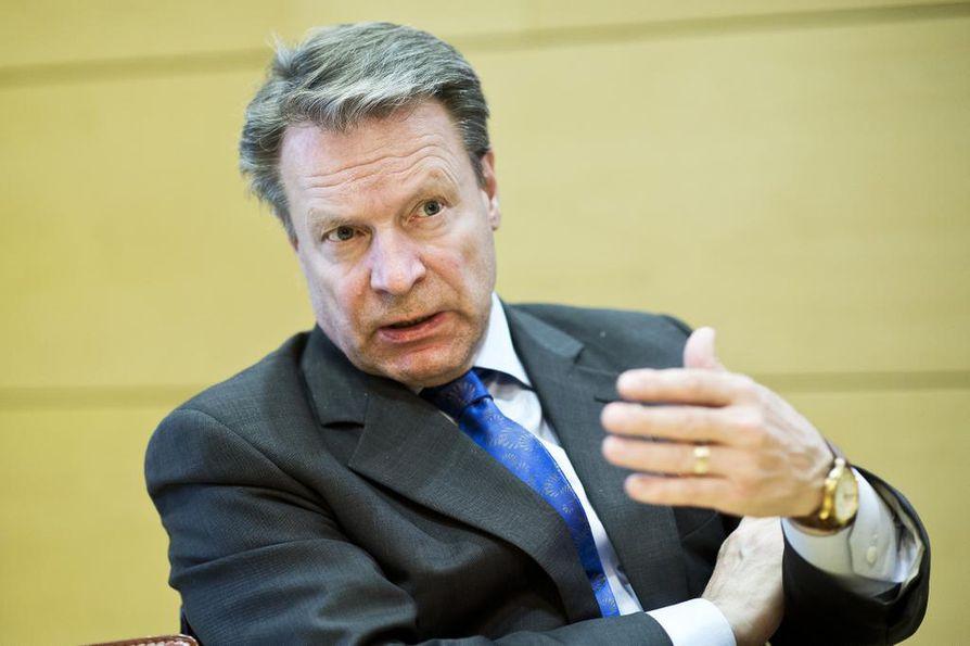 Ilkka Kanerva (kok.) toimi Etyjin tarkkailijana Yhdysvaltojen presidentinvaaleissa.
